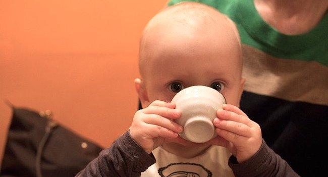 赤ちゃん麦茶いつから